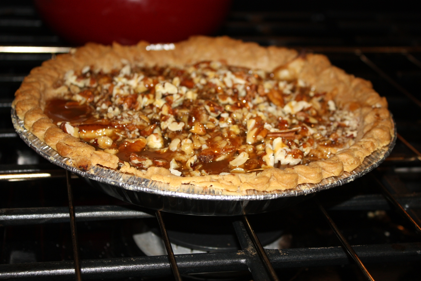 caramel pecan apple pie – sincerely surleen
